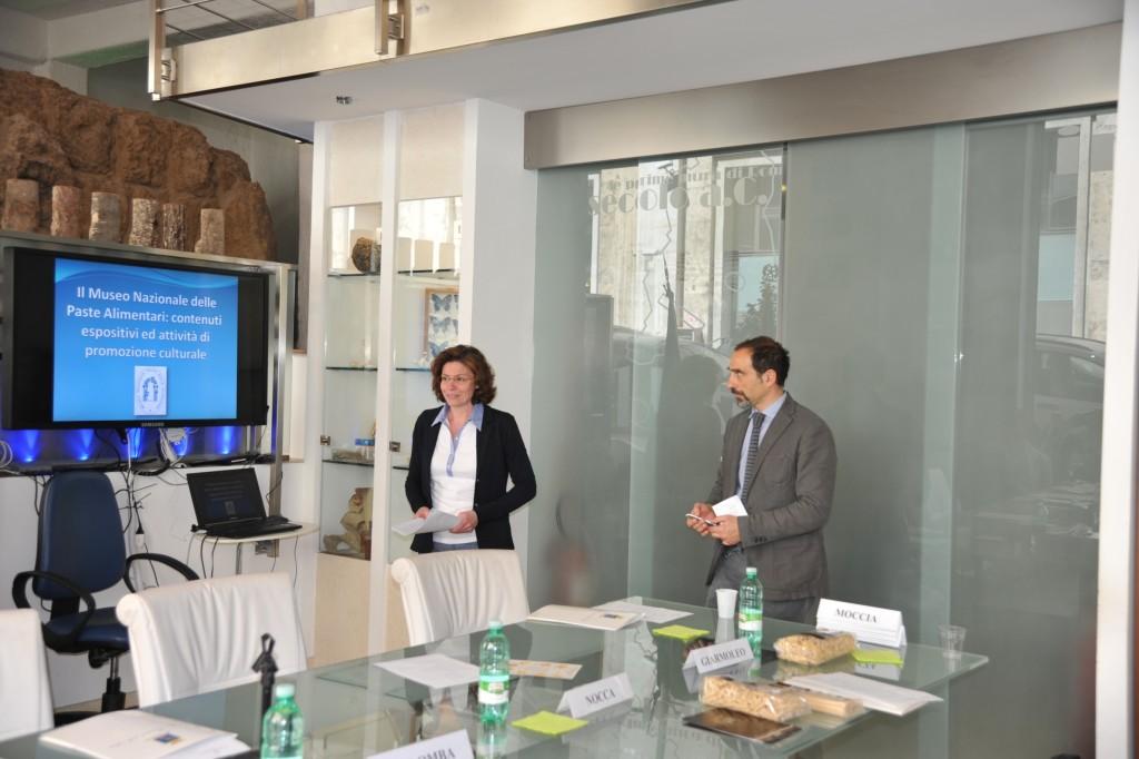 La Vice Presidente Amelia Giarmoleo relaziona  al convegno sulle attività dell'istituzione museale.